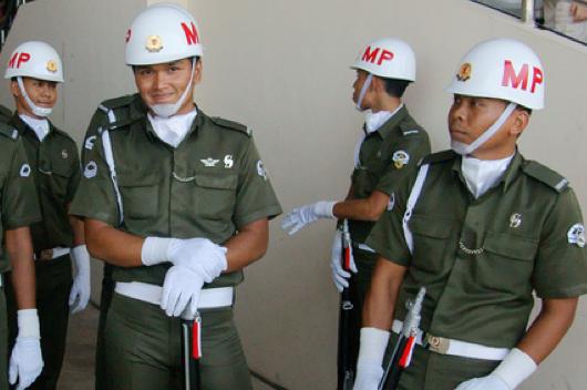 De vrienden van de Singaporese politie (foto: Jerry Wong)