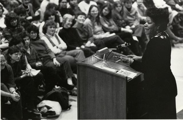Dode van de Week, Maya Angelou, tijdens een lezing in Boston