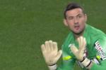 Monaco-doelman Subasic heeft niet de bal, maar wel de nul gehouden (beeld via YouTube)