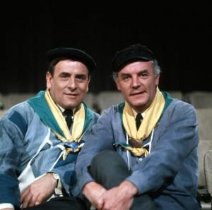 De Twee Pinten in 1970, met links Dode van de Week Joep Peeters en rechts voormalig Dode van de Week Wim Kersten.